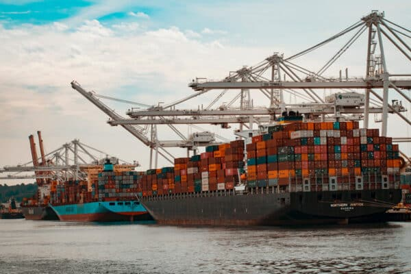Essential Benefits of the IoT in the Logistics and Transportation Industry