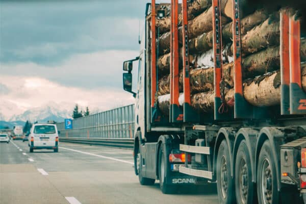 5 Crucial Benefits of Having an IoT- Enhanced Supply Chain