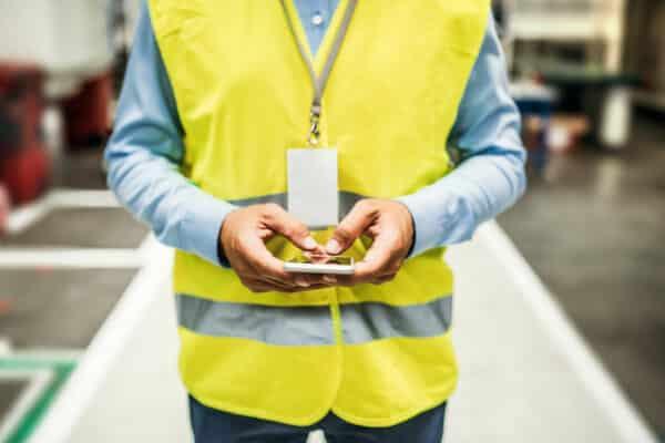 Benefits of Connecting Factory Industries to IIoT